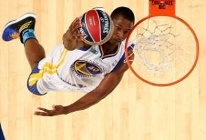 Peran Forward Dalam Permainan Bola Basket