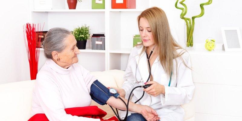 Tanda dan Gejala Hipertensi Pada Orang Tua